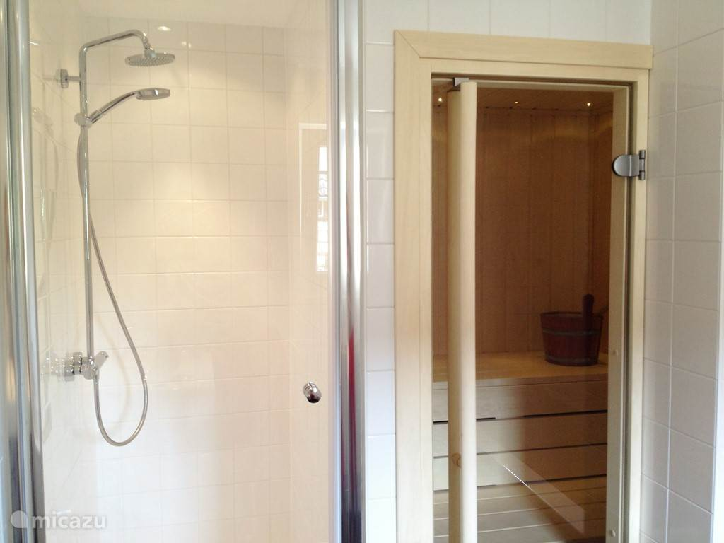 sauna en inloopdouche
