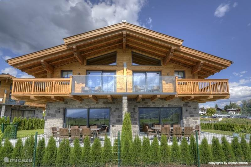 Deer and dear luxury chalet app a in piesendorf for Chalet oostenrijk