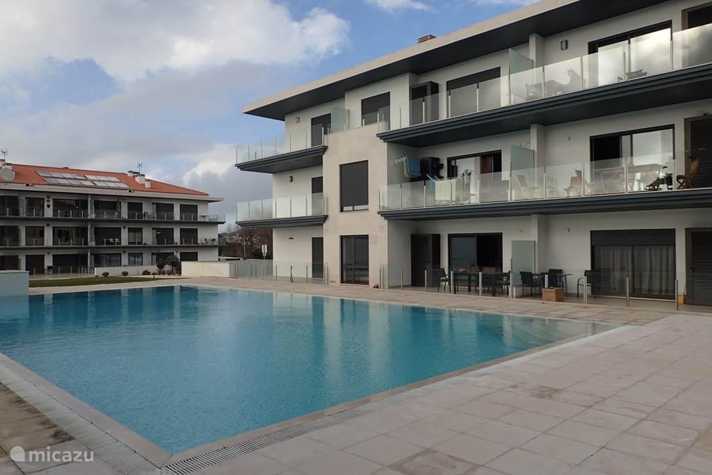 Het Pinheiro Manso Gebouw. Op het gelijkvloers bevindt zich het appartement.