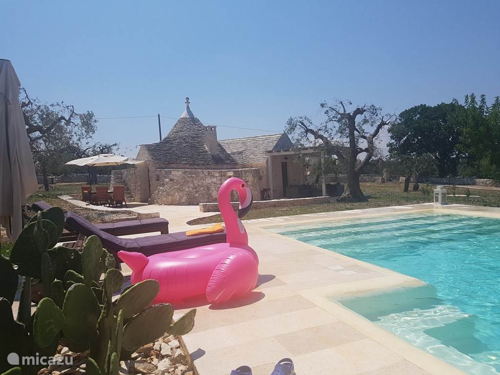 Vakantiehuis Italië, Apulië, Alberobello – vakantiehuis Vakantiehuis met zwembad en jacuzzi