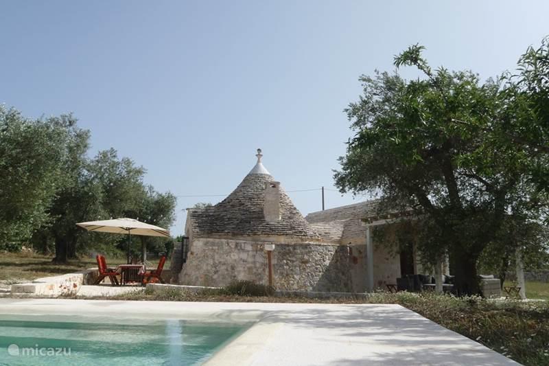 Vakantiehuis Italië, Apulië (Puglia) , Alberobello Vakantiehuis Vakantiehuis met zwembad en jacuzzi