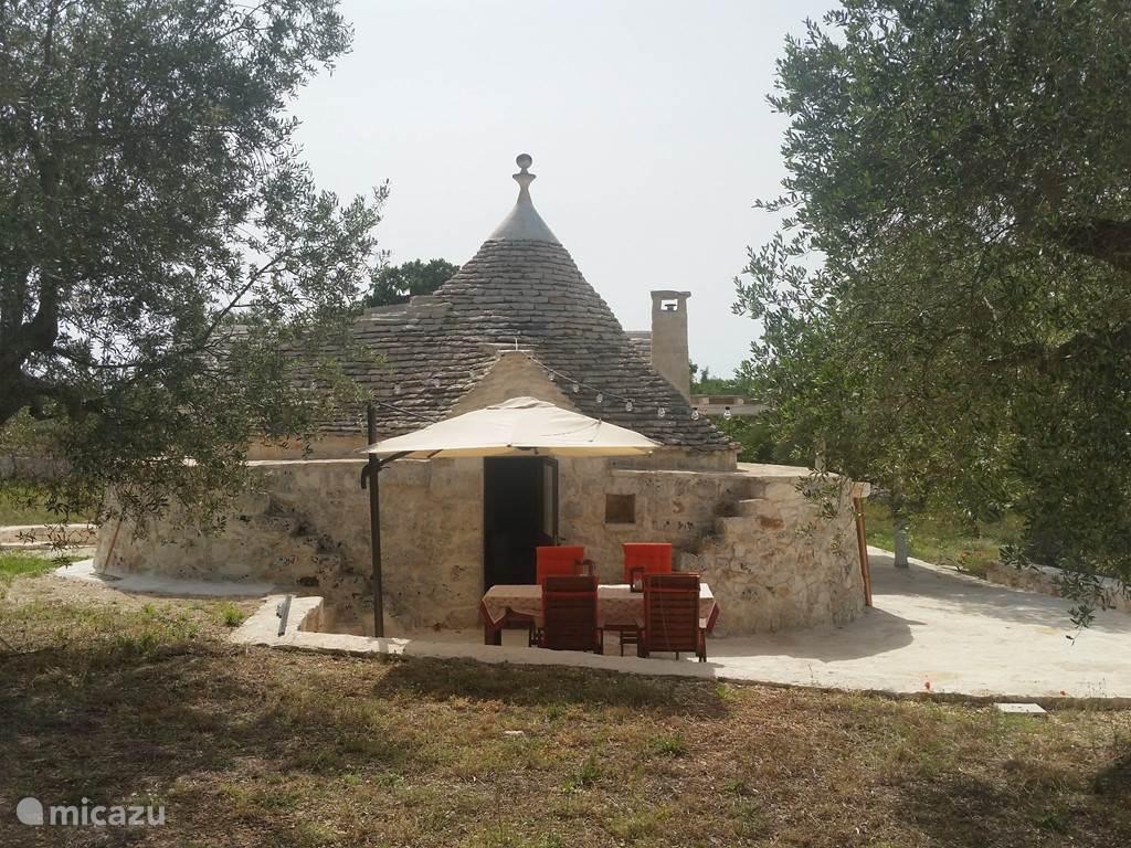 Vakantiehuis Italië, Apulië, Alberobello Vakantiehuis Vakantiehuis met zwembad en jacuzzi
