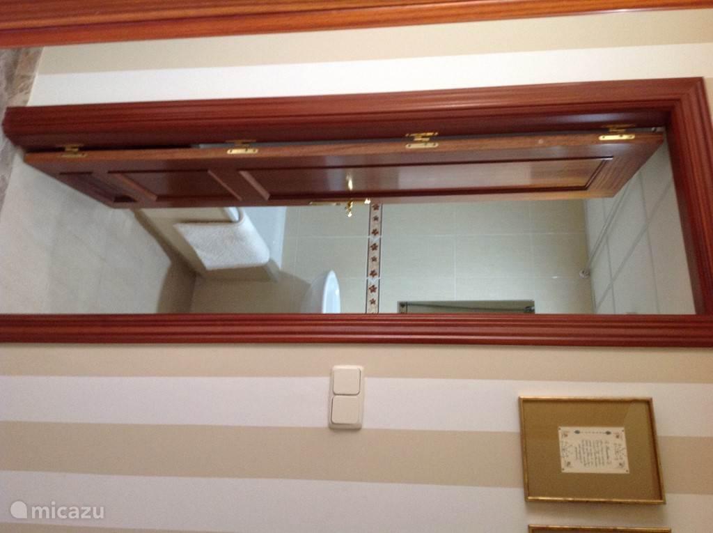 2e Badkamer met ligbad