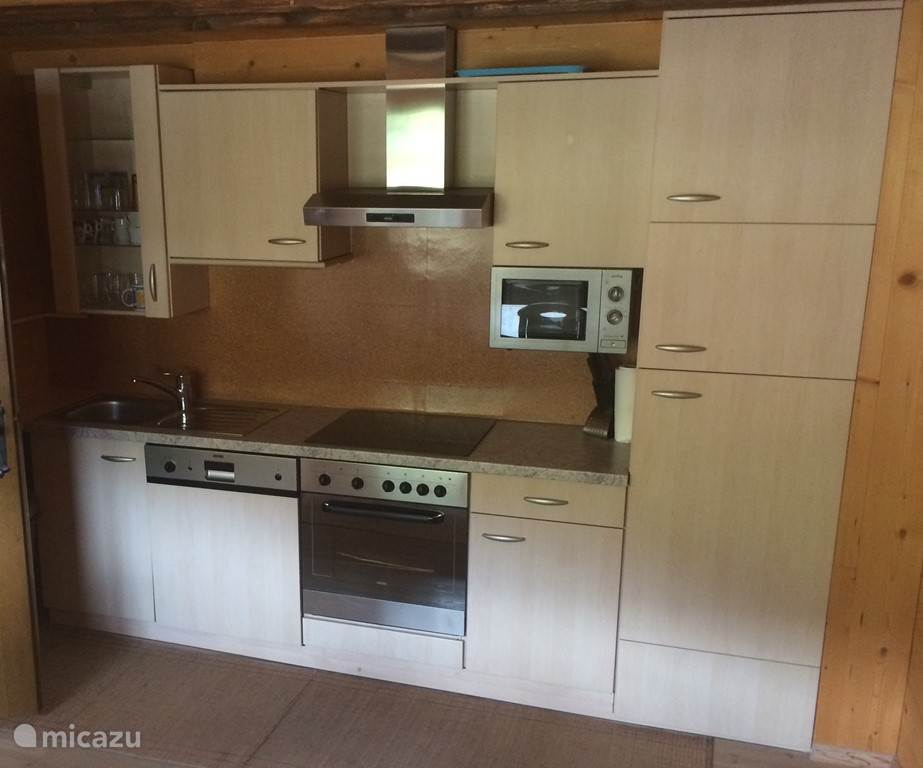 Fully equipped kitchen with dishwasher, oven, microwave, freezer, kettle, coffee maker and Senseo.
