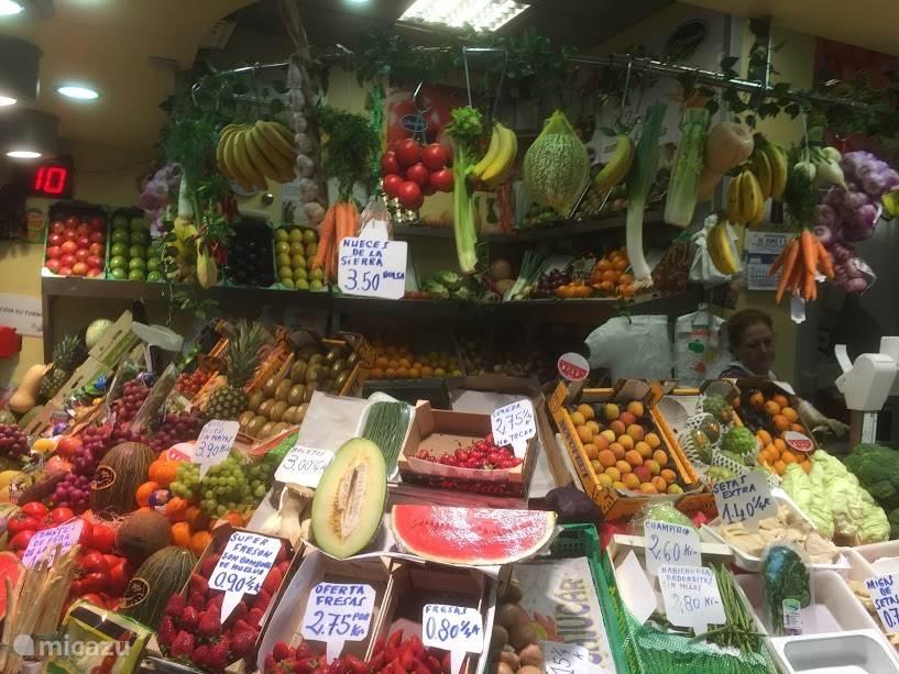 Onder de Setas is een fantastische kleurrijke markt