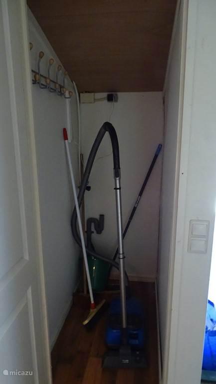 bergkast met aansluiting voor wasmachine