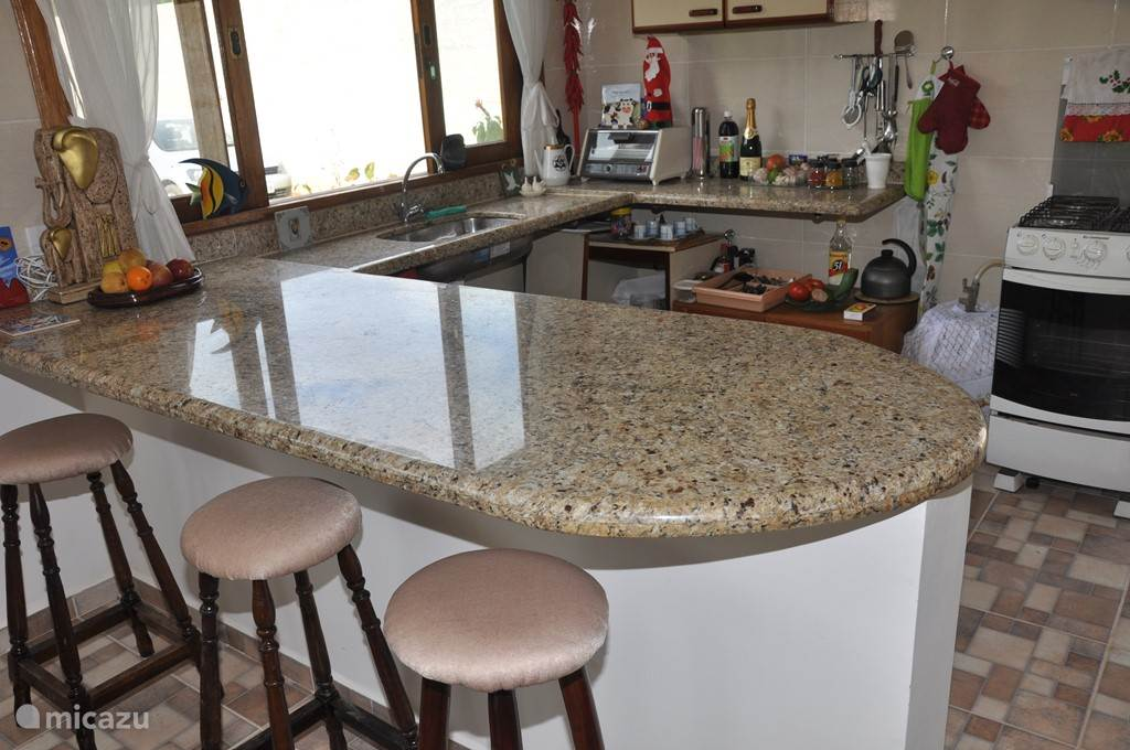Granieten bar/tafel.