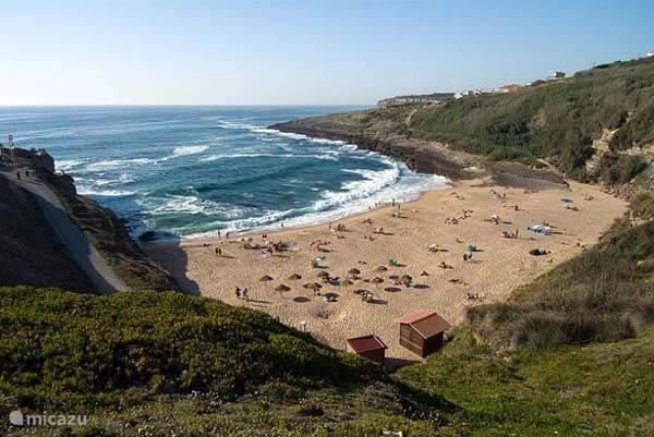 Coxos strand en 1 van Portugal's beste surfspots naast de deur