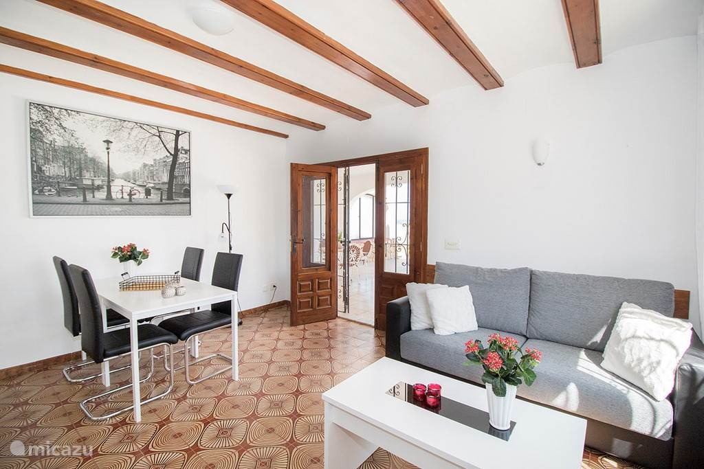 Een mooie verbinding met het terras vanuit de woonkamer van La Luna