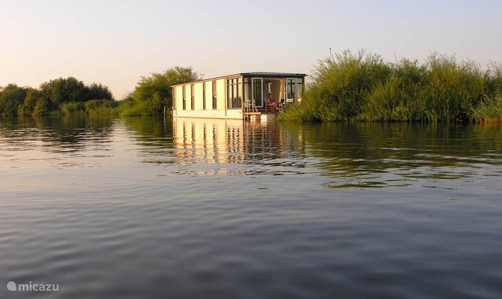 Vakantiehuis Nederland, Friesland, Grouw Camper / Jacht / Woonboot Nije Boarn, schitterende woonboot