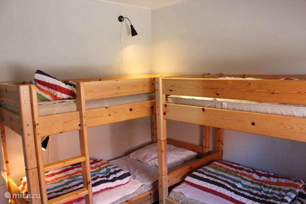 1 slaapkamer met 2 stapelbedden