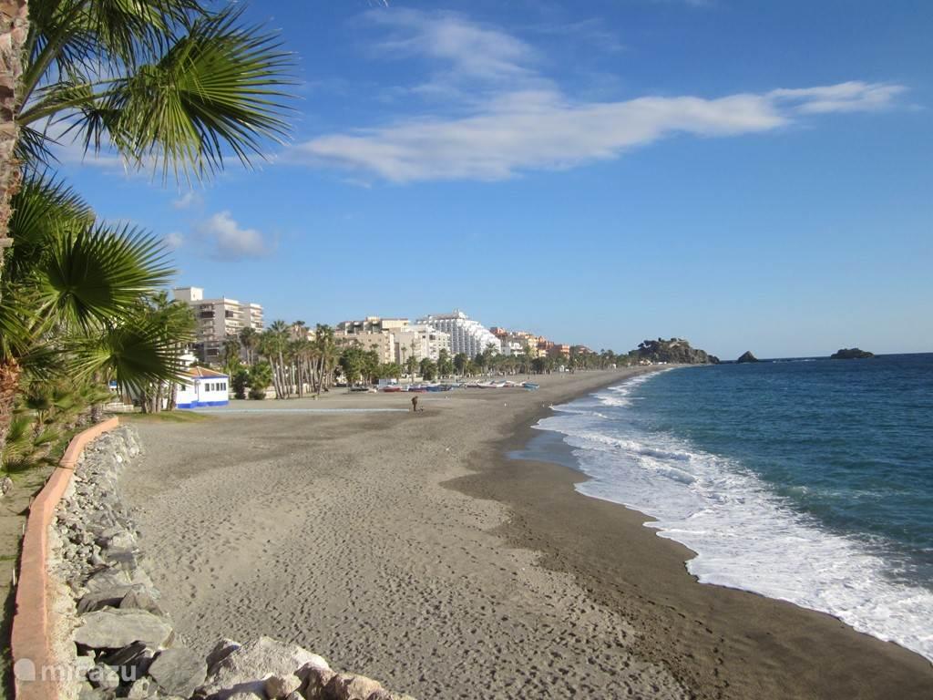 Playa San Cristobal op 4 km afstand