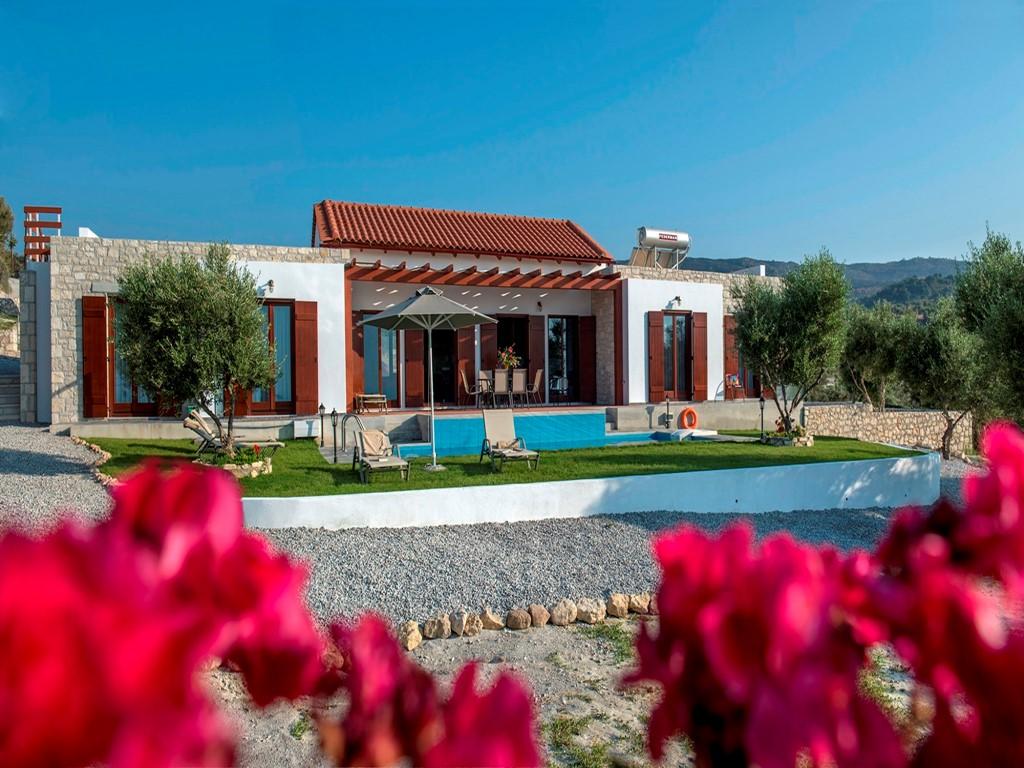 SPIKSPLINTERNIEUWE VILLA KYRIA! 10% vroegboekkorting*. Echt Kreta, met prachtig zeezicht! Rust, zon, ruimte, prive zwembad .  *(boeken t/m 31 maart)