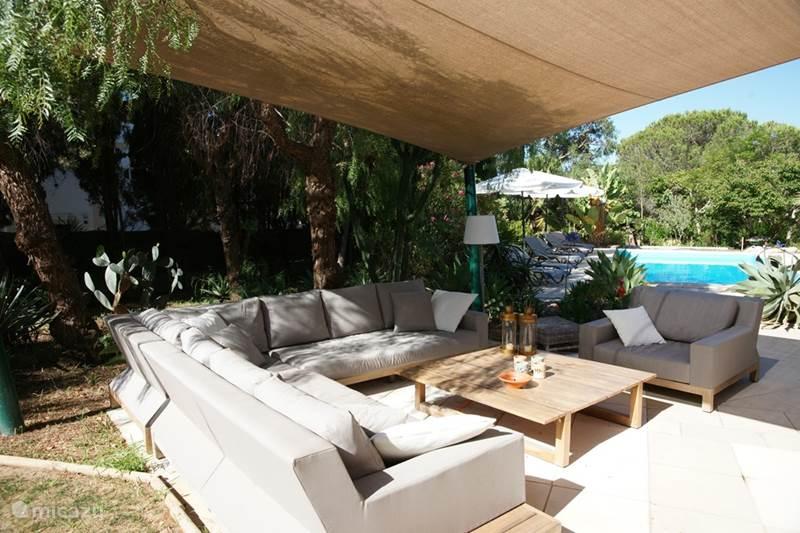 Vakantiehuis Portugal, Algarve, Carvoeiro Villa Prachtige villa met zwembad en tuin