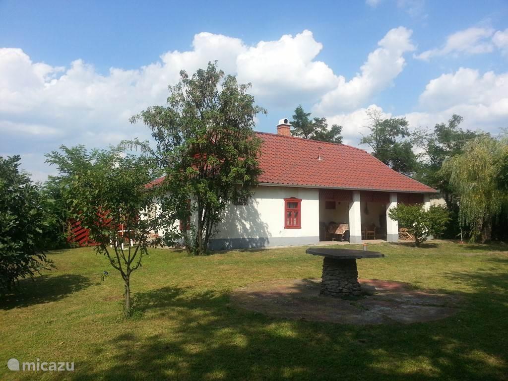 Vakantiehuis het rode huis hongarije, tiszameer in tiszaszentimre ...