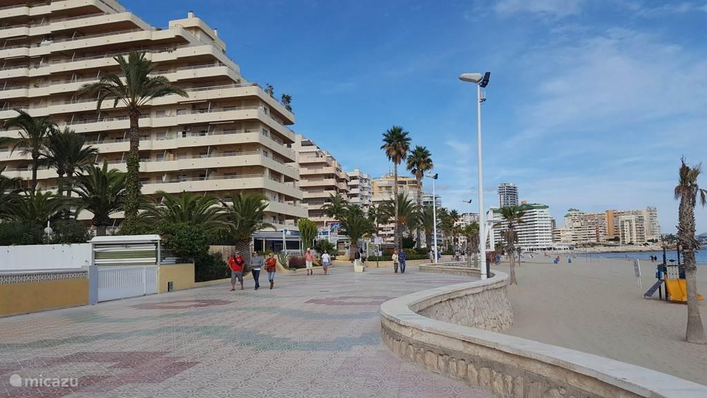 promenade langs het strand, nieuw gedeelte van Calpe