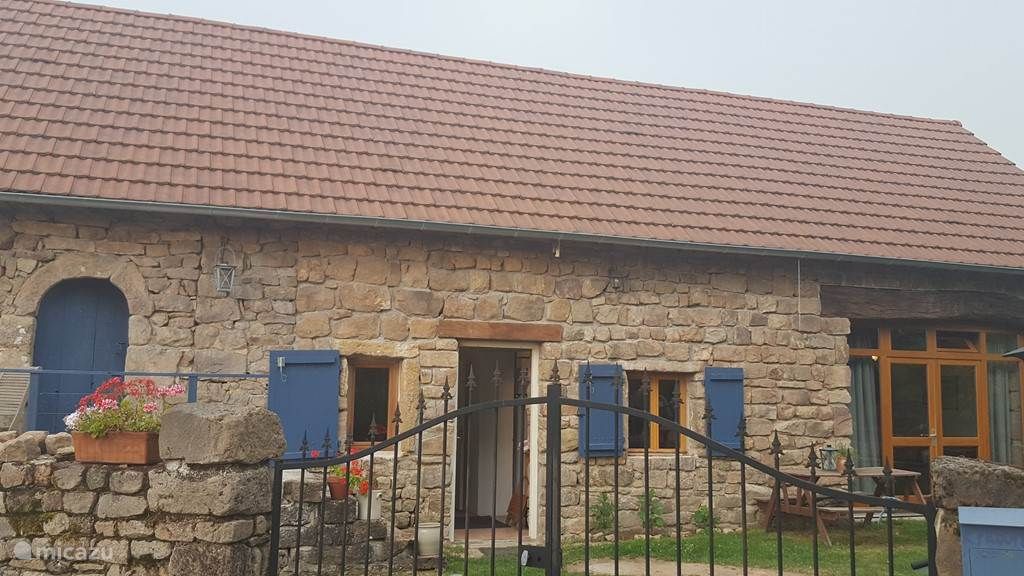 Vacation rental France, Burgundy, Creches Sur Saone holiday house Maison Prooper