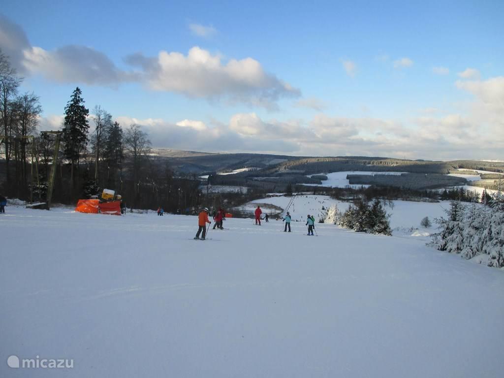 Skiing on the Homberg in Zuschen / Winterberg