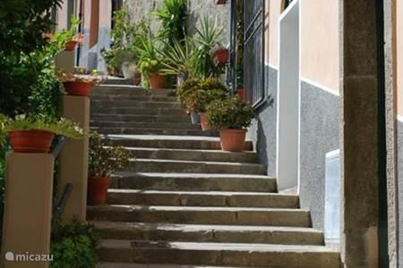 Winkelen in Como, Erba of Lugano. Zweefvliegen vanaf de bergen. Quad rijden in de omgeving.
