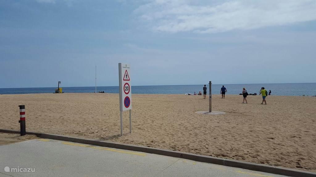 Activiteiten genoeg op het mooie brede strand.