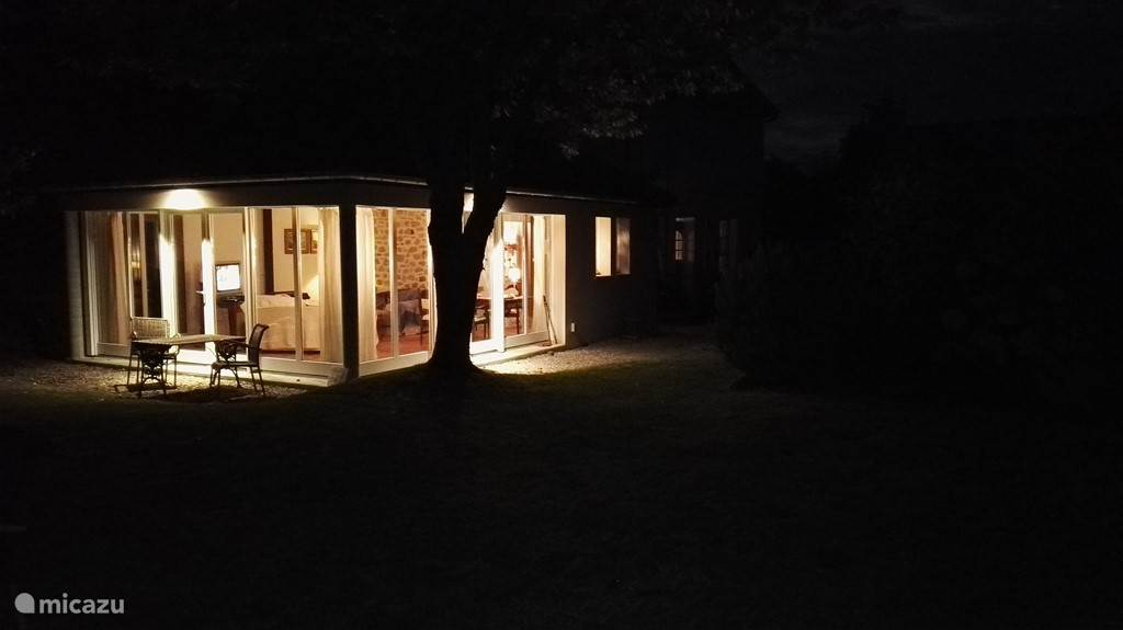 tuinkamer by night
