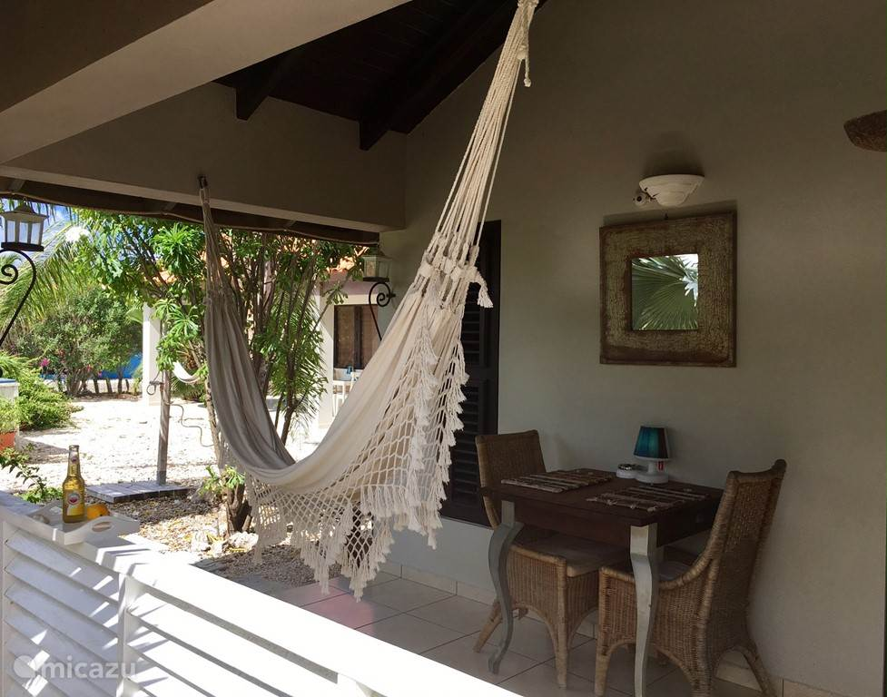 At Hammock Studios & Apartment, it is about relaxing like you can do on the porch of the apartment