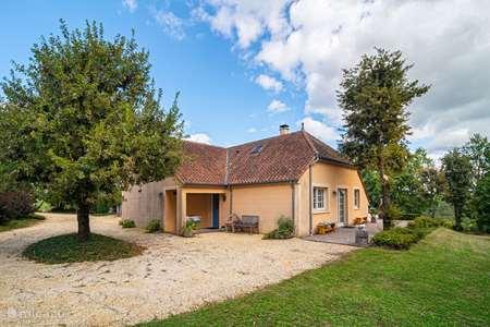 Vacation rental France, Dordogne, Clermont-de-Beauregard holiday house Le Coquelicot