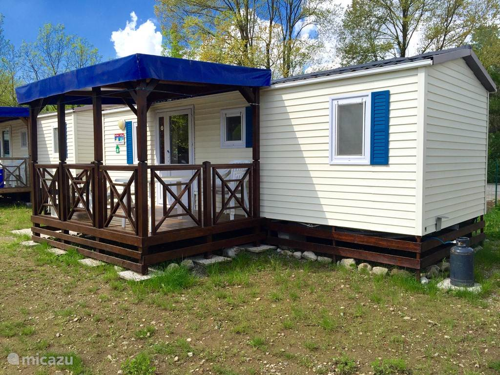 Vacation rental Italy, Italian Lakes, Erba mobile home Chalets Lake Pusiano Camp Class