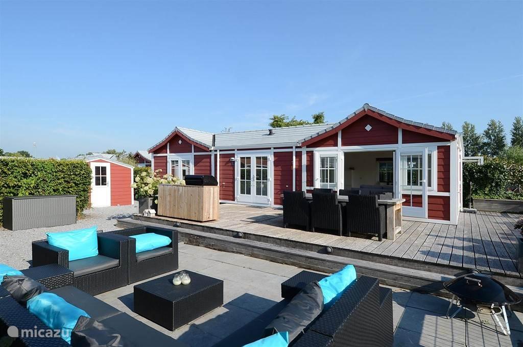 Vakantiehuis Nederland, Noord-Holland, Loosdrecht chalet Chalet aan water in Loosdrecht