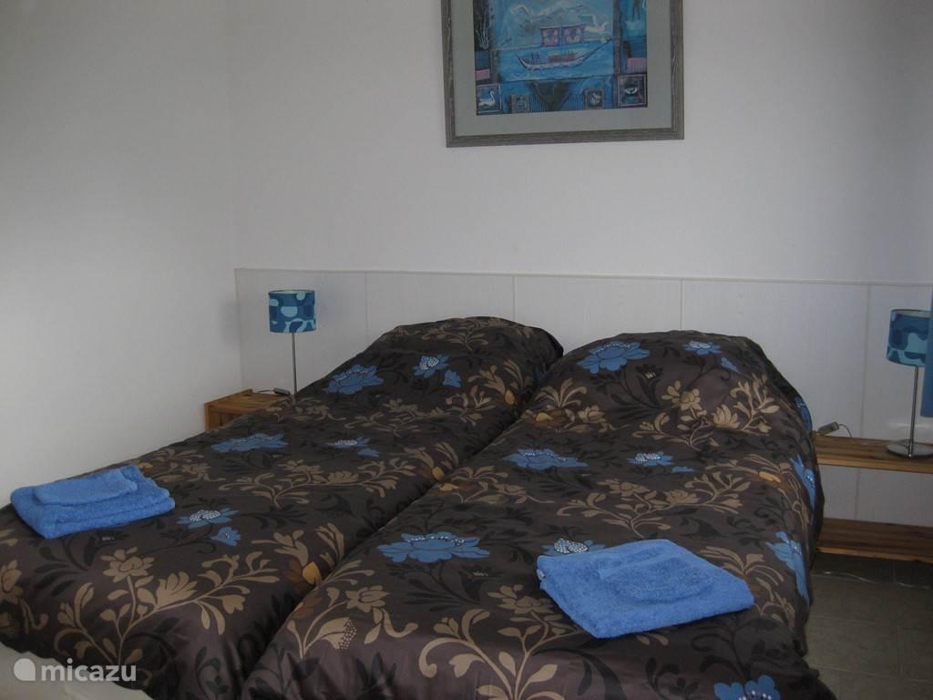 in de zomermaanden heerlijke koele slaapkamer