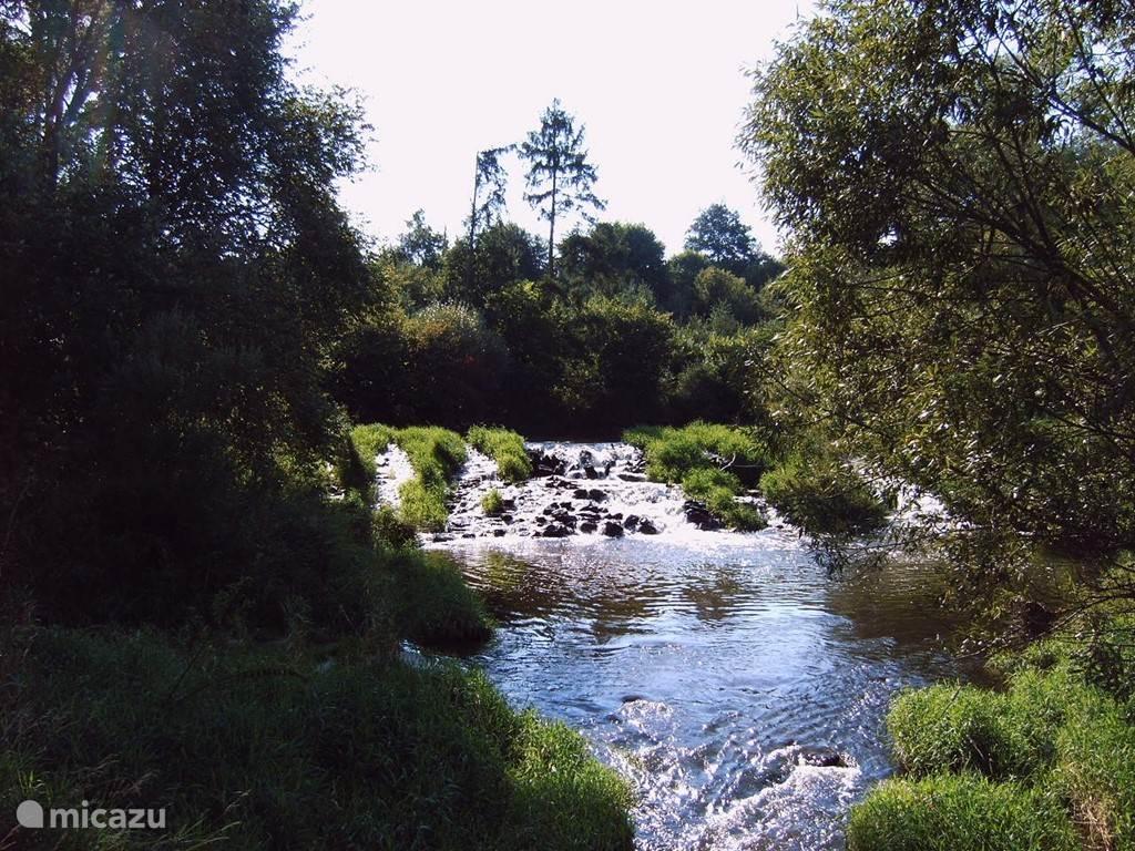riviertje achter het huis