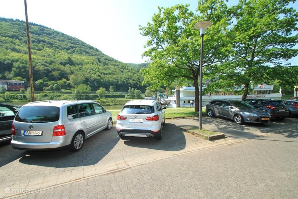 Gemeente parkeerplaatsen overzijde van Uw vakantiehuis