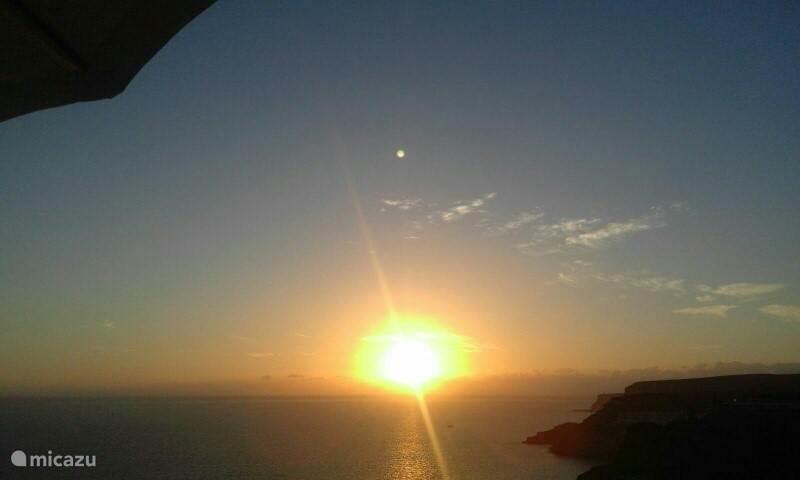 Sun, s von der Terrasse Sturz.