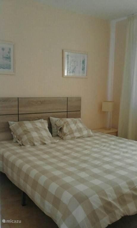 Schlafzimmer mit Blick Amadores Strand.