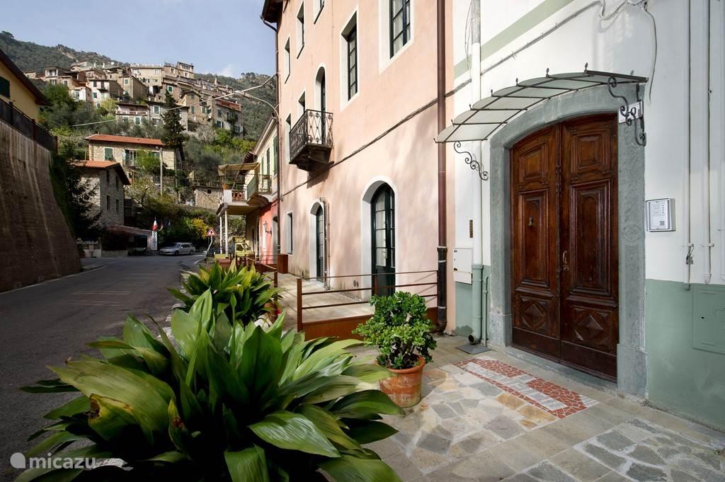 Vakantiehuis Italië, Ligurië, Airole Appartement Residenza Roya Vista
