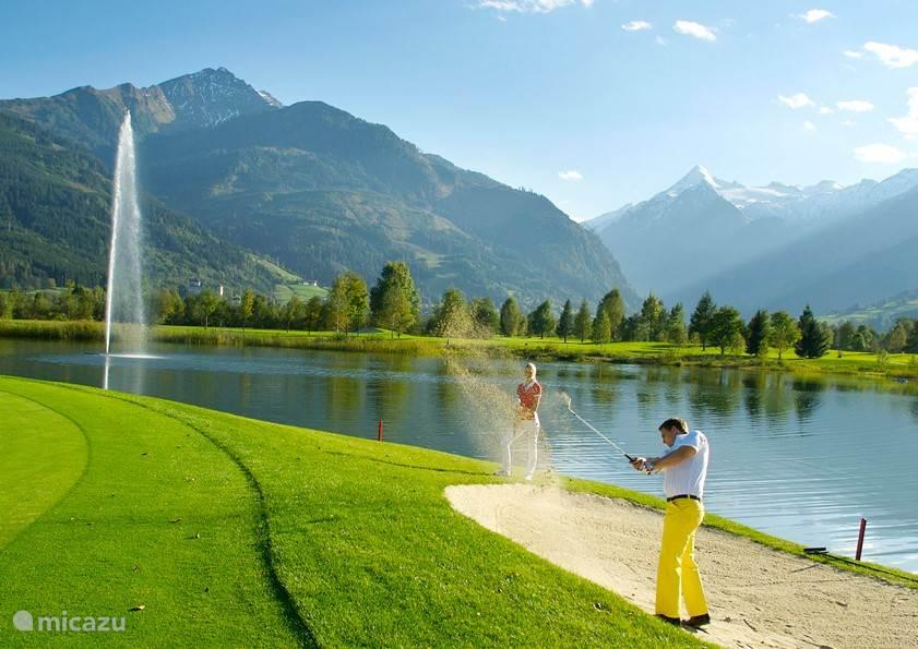 Er is meer te doen dan alleen wintersport! Wat dacht u van een heerlijk potje golf in de zomer!