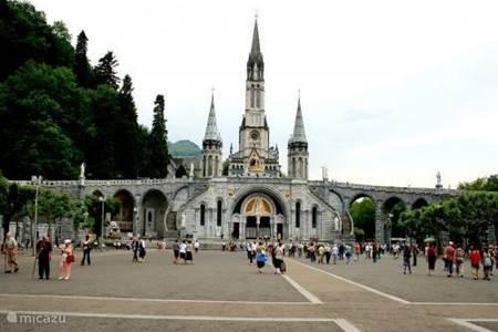 Baseliek in Lourdes
