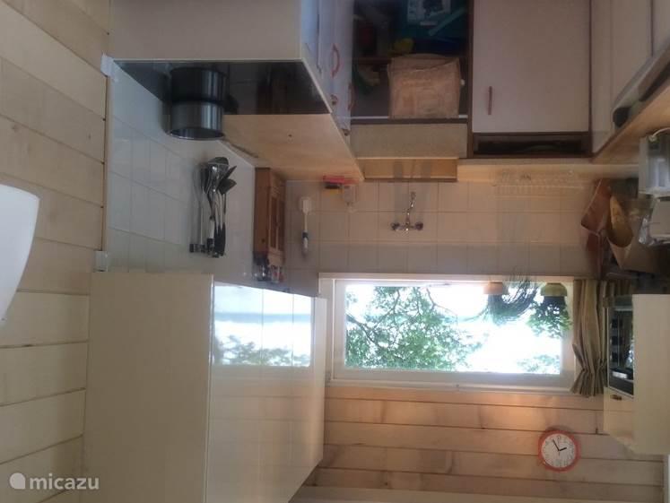 nieuwe keuken met inductieplaat