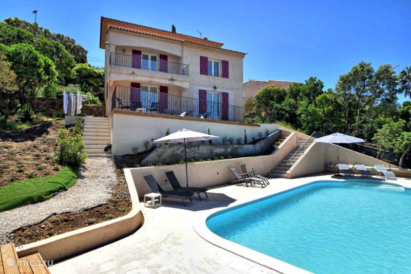 Huizen Verhuur Frankrijk : Villa roca in les issambres côte d´azur huren? micazu