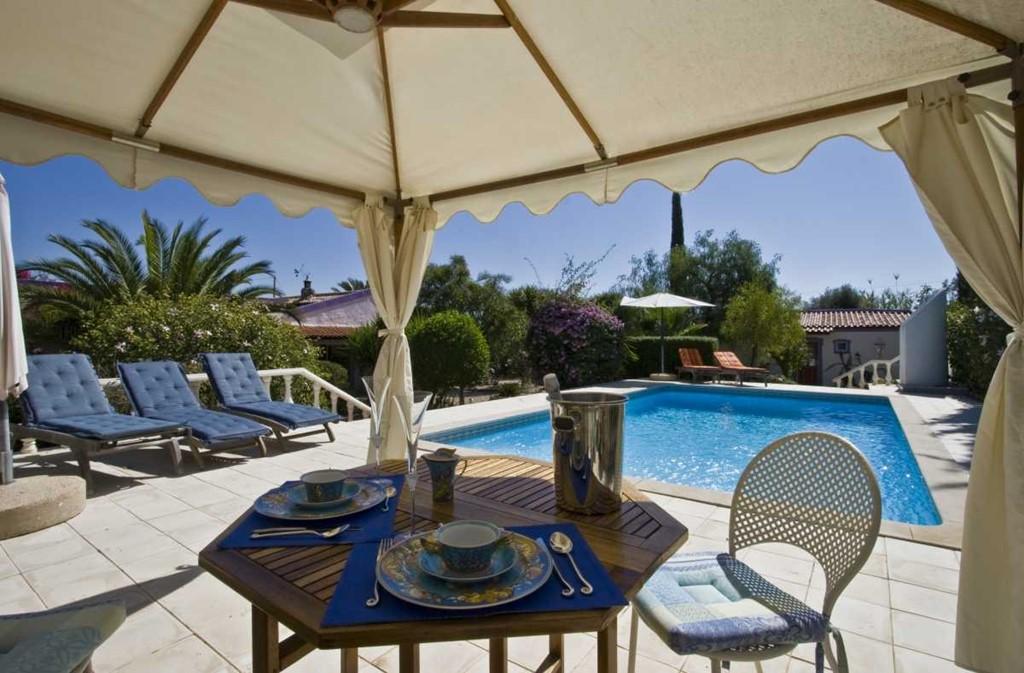 Casa da Vida Nova, luxe 2p kamer nog beschikbaar in july/aug, div opties, 5 min van zee, 2 pers. 99,- per nacht, min 3 nachten,groot zwembad. Genieten