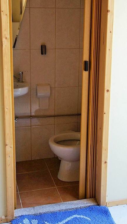 Toilet beneden