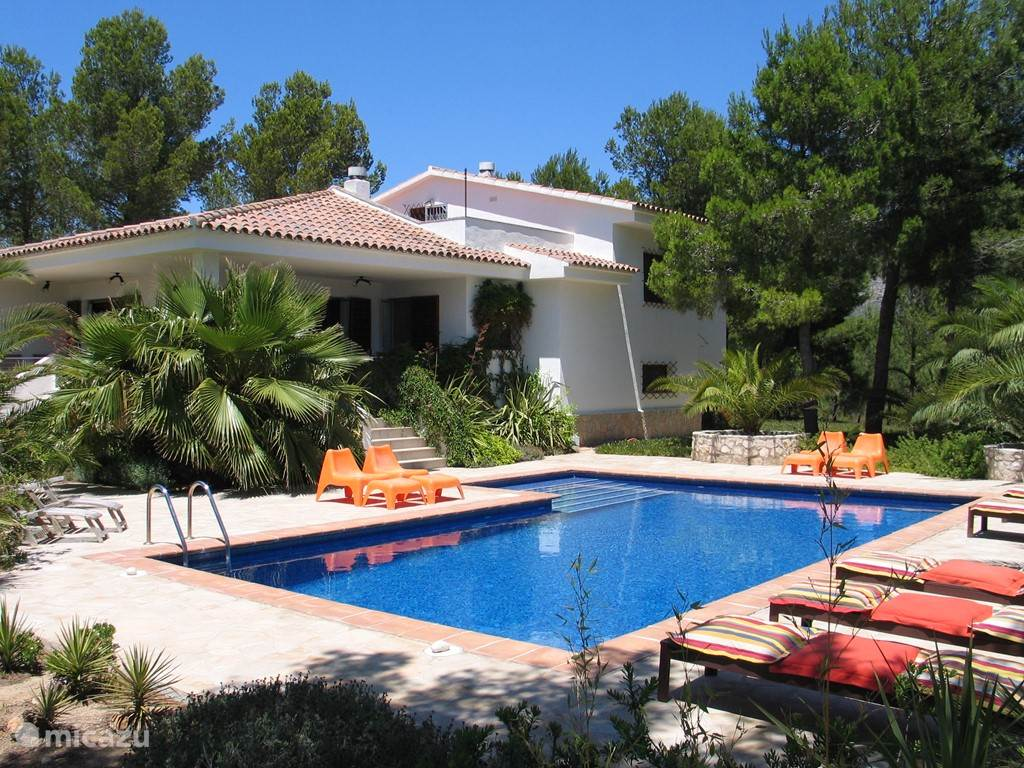 Cycling, Spain, Costa Daurada, Ametlla de Mar, villa Spacious villa with private pool