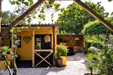 Vacation rental Curaçao, Banda Abou (West), Sint Willibrordus studio Iguana View Studio Jan Cook Lodges