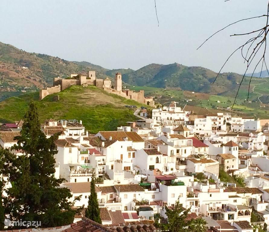 Uitzicht over Alora vanuit bovenburenDakterras