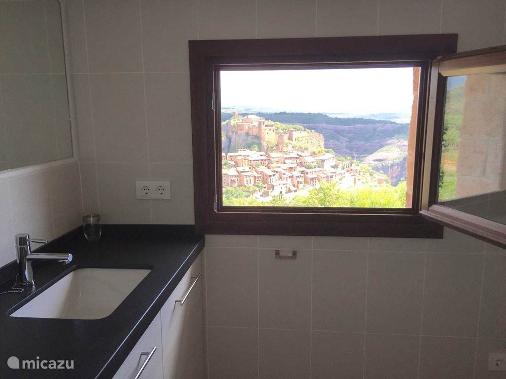 badkamer met uitzicht