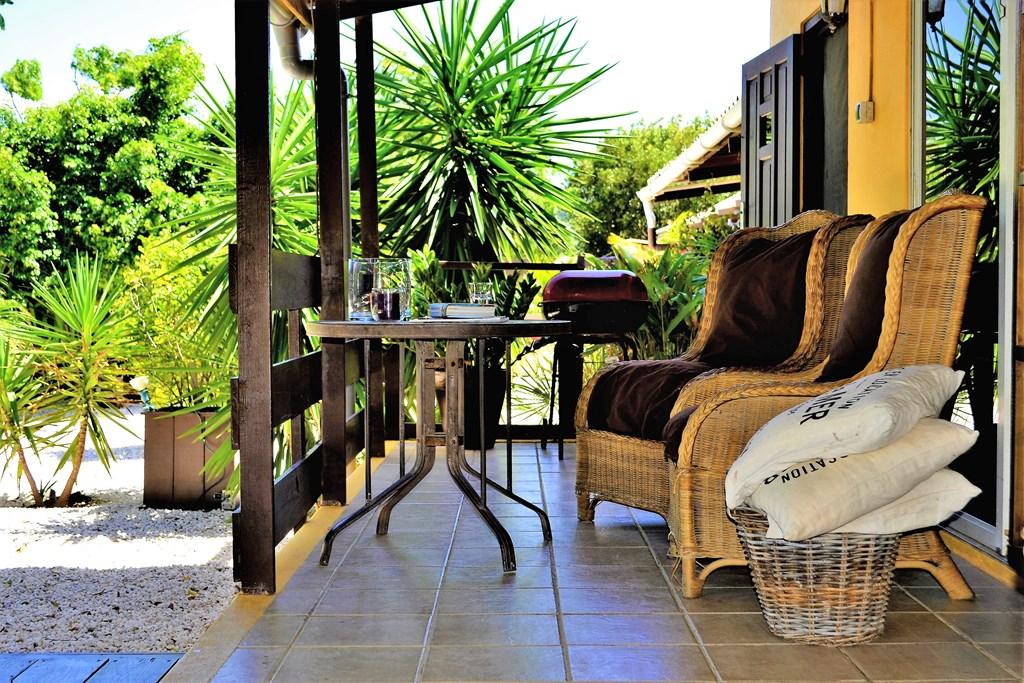 Nog even naar de zon voordat de herfst weer begint? De Garden Bungalow gelegen in de tropische tuin met veel privacy is nog vrij vanaf half augustus.