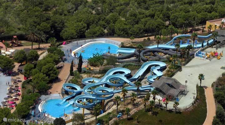 Vera Playa waterpretpark Aqua vera afstand 2 kilometer