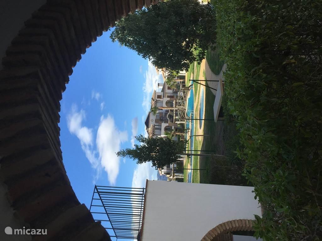 uitzicht vanuit het beneden terras