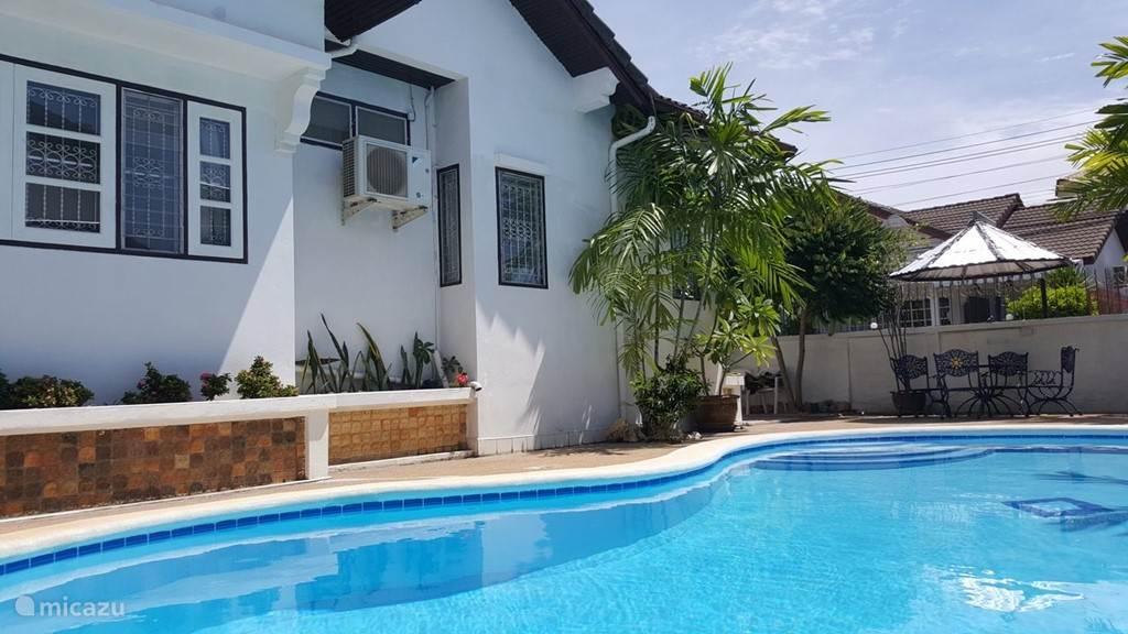 Bungalow 3 slaapkamers en pool