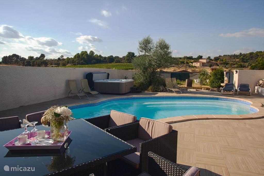 Vacation rental France, Languedoc-Roussillon, Bize-Minervois Villa Meli-Melo
